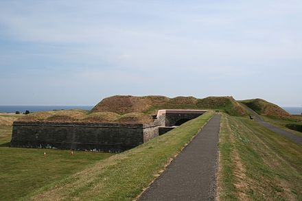 Part of the town walls Berwick heyheydecay.net.jpg