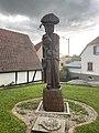 Betschdorf Statue.jpg