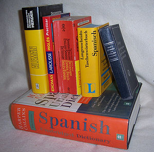 Bilingual dictionary - Printed bilingual dictionaries come in all sizes and shapes.