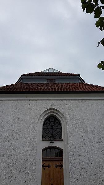 File:Billeberga kyrka 03.jpg