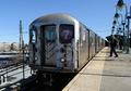 Boarding the New York City MTA 7 subway.png