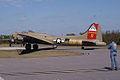 Boeing B-17G-85-DL Flying Fortress Nine-O-Nine Landing Taxi 21 CFatKAM 09Feb2011 (14797319958).jpg