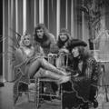 Bonnie St. Claire & Unit Gloria - TopPop 1974 2.png