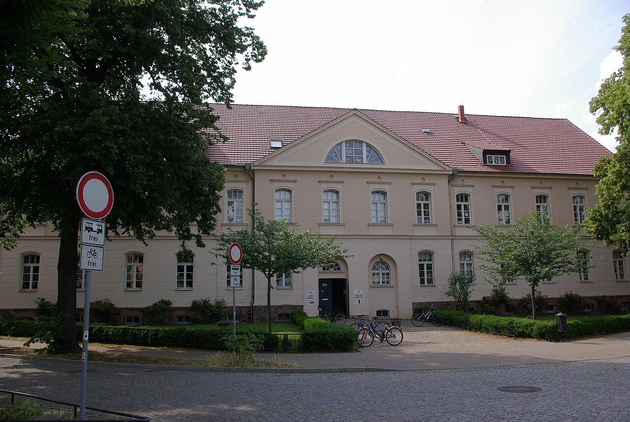 orgie in der schule Beeskow(Brandenburg)