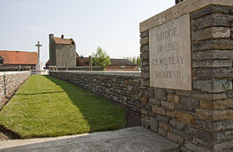 Bridge House Cemetery. Toegang.jpg