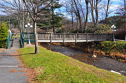 Bridge of North Toe River in Newland.jpg