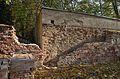 Broken wall of Schönbrunn gardens.jpg