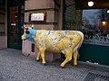 Bubeneč, kráva na kulaťáku.jpg
