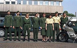 Bundesgrenzschutz - Image: Bundesarchiv B 145 Bild F075997 0011, Bonn, BMI, Uniformen Bundesgrenzschutz