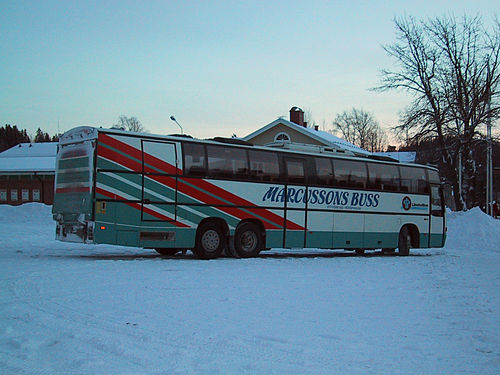 Bus mit ladebordwand schweden.JPG