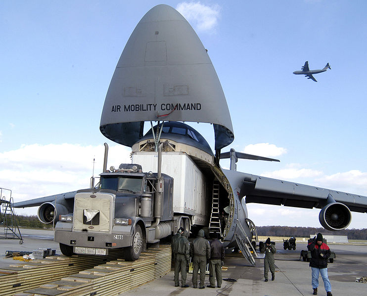 File:C5 AMC loading semi.jpg