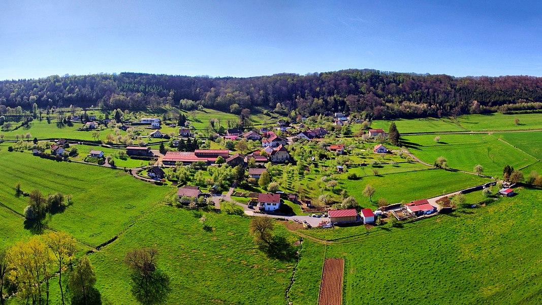 Vue générale du village de Cademène