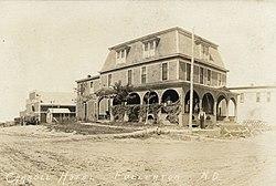 Marvelous Carroll Hotel On An Early 1900s Postcard