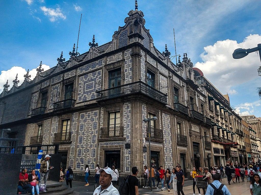 Casa de los Azulejos en Calle Madero.