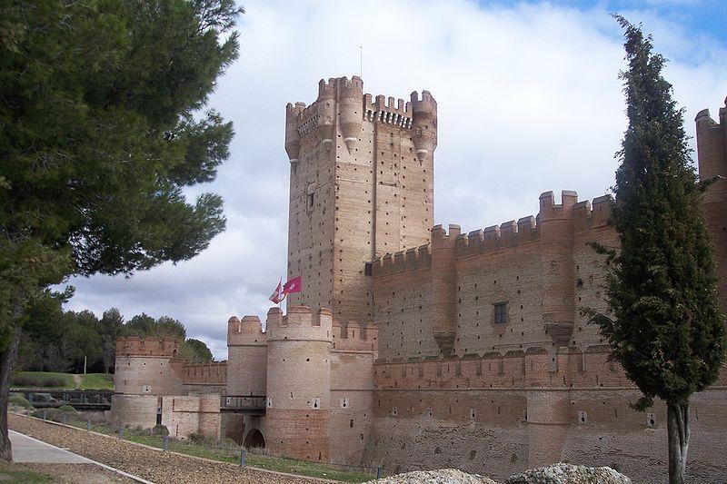 File:Castillo de La Mota 2.jpg