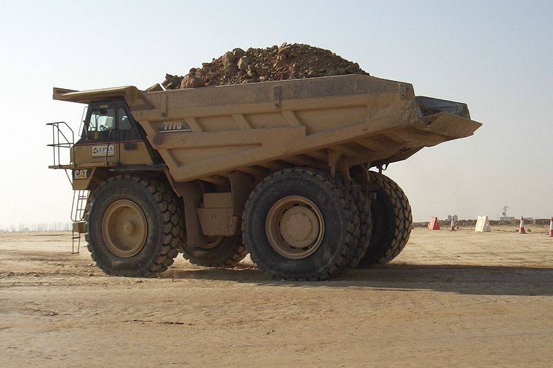File:Caterpillar 777D.jpg
