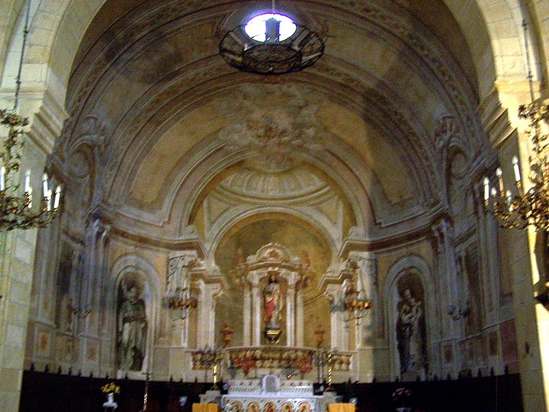 Décor in trompe-l'œil style of the apse of the church of Caudrot (Gironde, France)