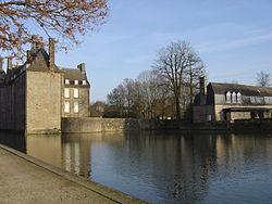 250px-Chateau-Flers-3