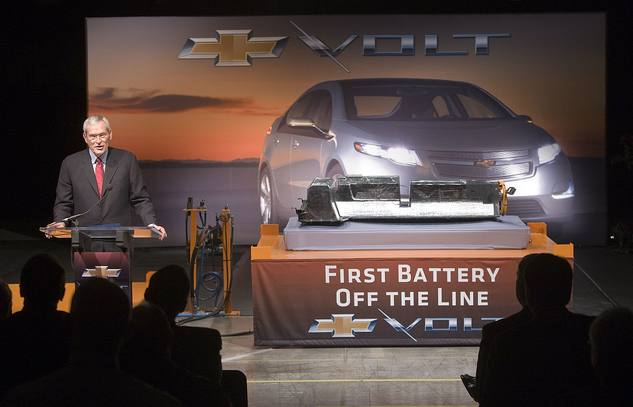 File chevyvoltfirstbattery07 4267062155 jpg wikimedia for General motors assembly line job description