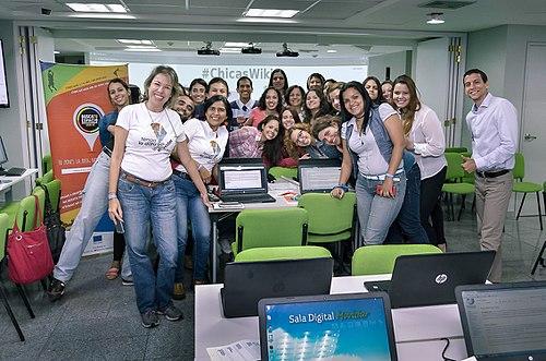 Chicas-Wiki-01.jpg