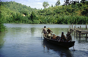 Chin village ferry.jpg