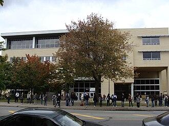 Collège Ahuntsic - Image: Collège Ahuntsic 01