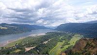 Columbia River Gorge (20083928729).jpg