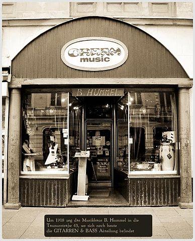 Datei:Cream music eingang gitarren.jpg