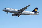 D-AIZX A320 Lufthansa (14829211603).jpg
