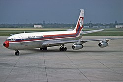 Dan-Air London Boeing 707-300 Manteufel.jpg