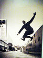 Das war lange vor Yves Kleins berühmter Aufnahme (4760508048).jpg