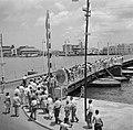 De Koningin Emmabrug gezien vanaf Punda in Willemstad op Curaçao, Bestanddeelnr 252-7238.jpg