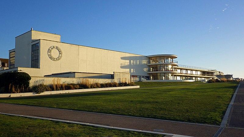 File:De La Warr Pavilion, Bexhill (2).jpg