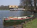 De kleine groene roeiboot - Das kleine grüne Ruderboot - The small green rowboat (2007-04) - panoramio.jpg