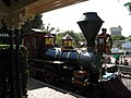 Disneyland (3861234905).jpg