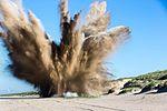 EOD vernietigt Schipholbommen 1.jpg