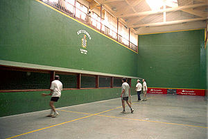 Basque pelota - Playing paleta at the trinquet of Elizondo (Navarre)