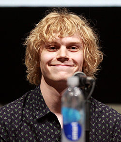 Evan Peters på San Diego Comic-Con International 2013.