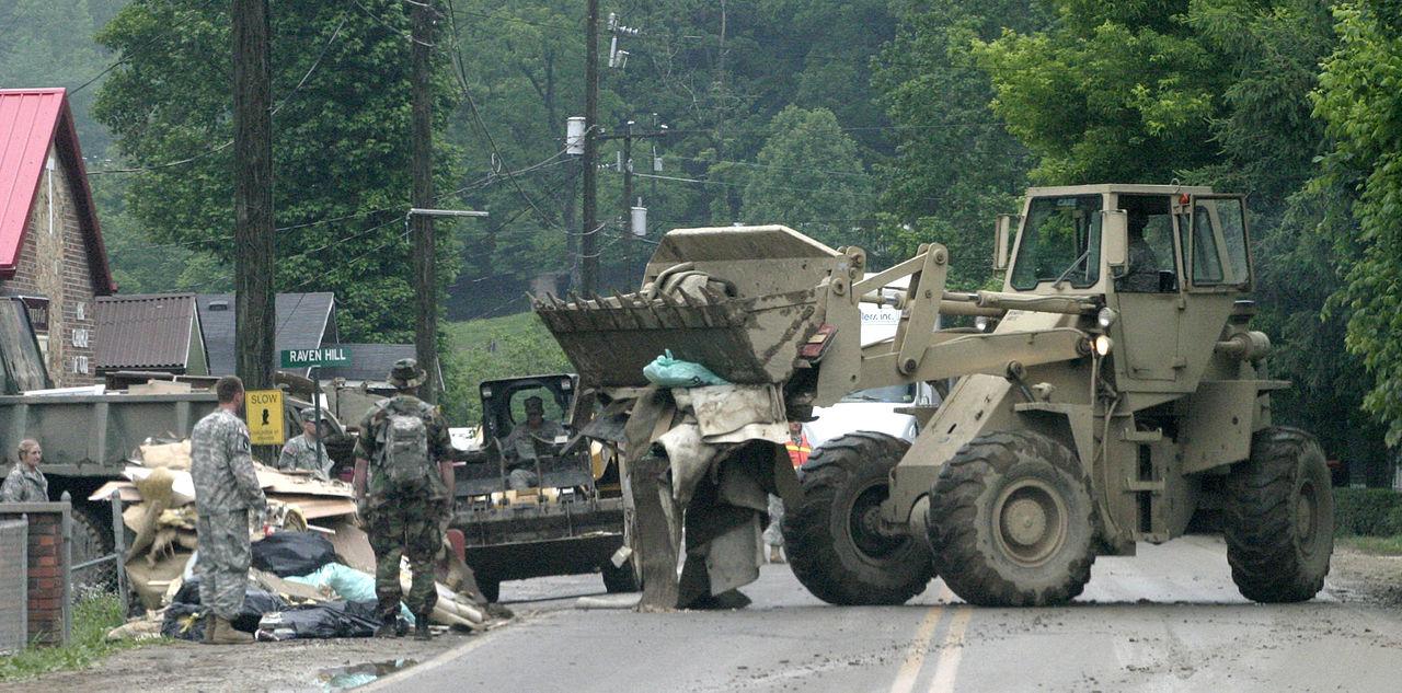 file fema 41272 west virginia national guard troops pick up debris in west. Black Bedroom Furniture Sets. Home Design Ideas