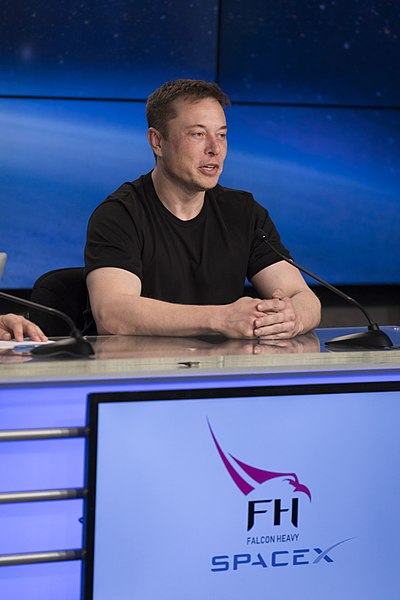 Falcon Heavy first flight press conference 02.jpg