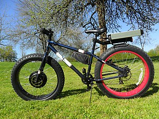 Electric bicycle bicycle with an integrated electric motor