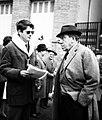 Fernandel avec Jean-Pierre Mocky dans 'La Bourse ou la Vie' (novembre 1965).jpg
