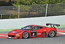 Ferrari 458 Italia GT3 del 2014 alla 24 ore di Barcellona, esempio di vettura da competizione di derivazione di serie