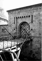 Puente levadizo - Wikipedia, la enciclopedia libre