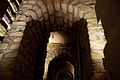 Flickr - Whiternoise - Les Catacombes, Arches (1).jpg