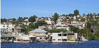 Lake Union - Floating homes on Lake Union's eastern shore