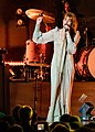 Florence and the Machine 12 09 2018 -14 (31767672667).jpg