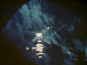 File:Flyaway from Skylab.ogv