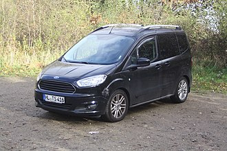 Minivan - Ford Tourneo Courier, a mini MPV