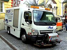 220px Fuso_Canter_sweeper_trucks mitsubishi fuso canter wikipedia mitsubishi fuso fuse box location at soozxer.org